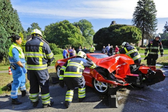 Ferrari and Lamborghini Crashes (3)