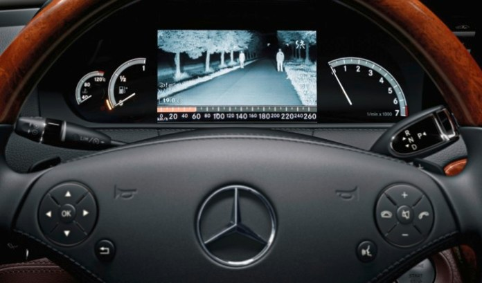 Mercedes-Benz-Night-View-Assist