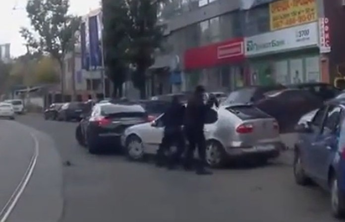 Ukraine-road-rage-car-jacking-panamera