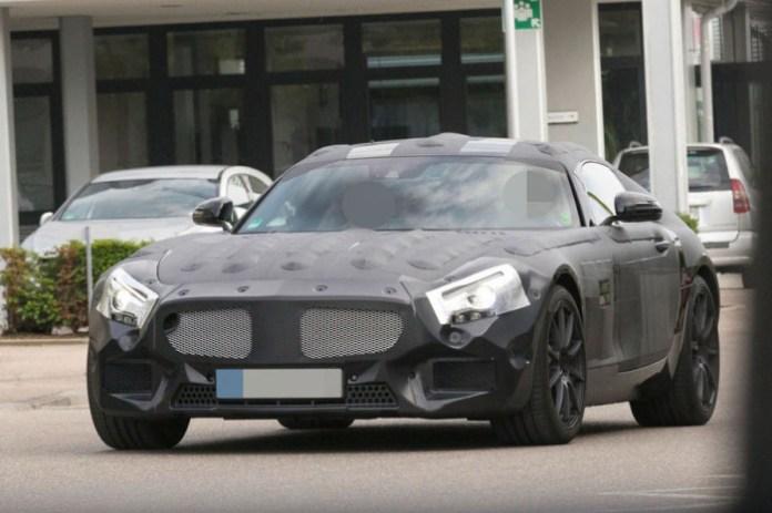mercedes-slc-spy-photos-in-nurburgring-14