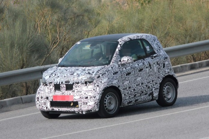 smart-fortwo-2014-spy-photos-2