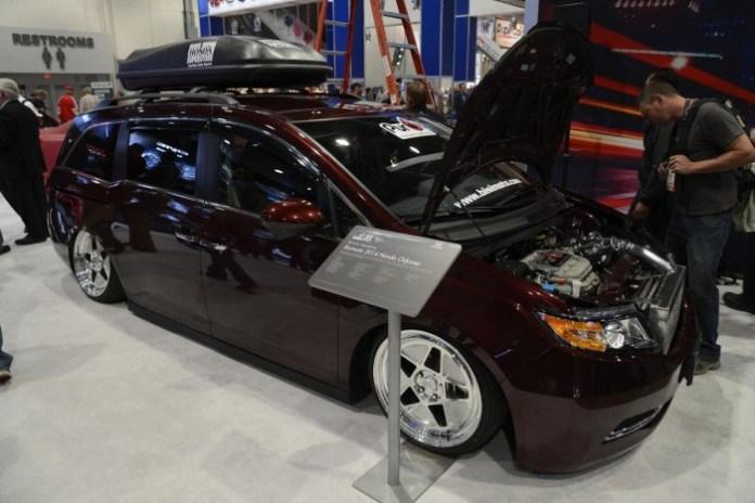 Bisimoto Honda Odyssey (2)