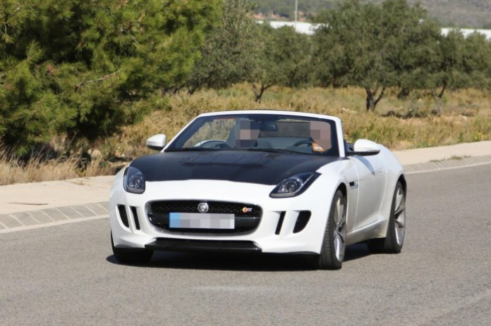 Jagaur F-Type with new hood (2)