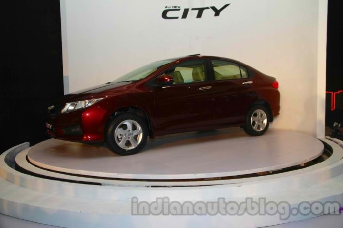 New-Honda-City-front-three-quarters-1