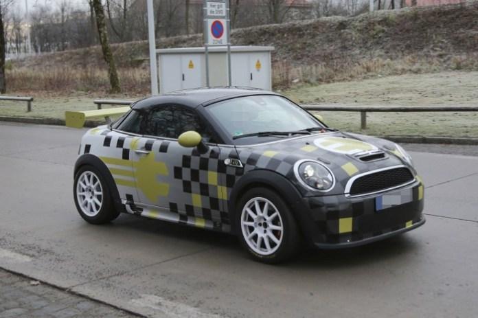 MINI E Race Coupe Spy Photos (3)
