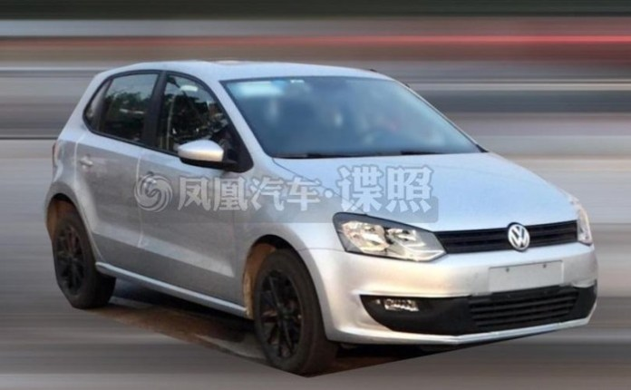 2014 Volkswagen Polo facelift spy photo (2)