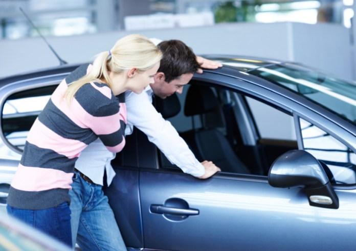 Car_Shopping_Couple_Buying_