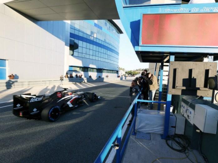 Nico-Hulkenberg-Sauber-Jerez-Day-one-2_2896103