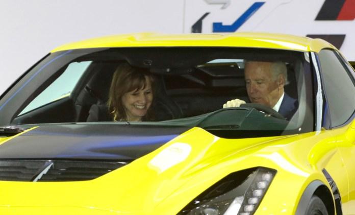 Vice President Joe Biden visit Detroit Auto Show 2014 (1)