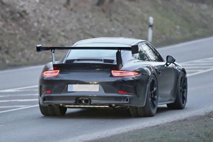2015-Porsche-911-GT3-RS