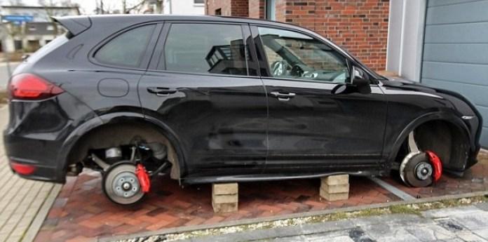Lewandowski's £70,000 Porsche targeted by thieves