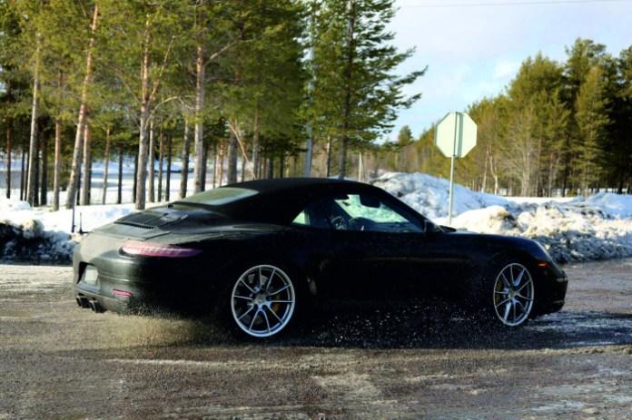 2015-Porsche-911-Cabriolet-prototype-3