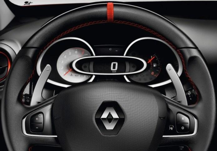 RenaultSport-Clio-RS200-Turbo-Interior-3