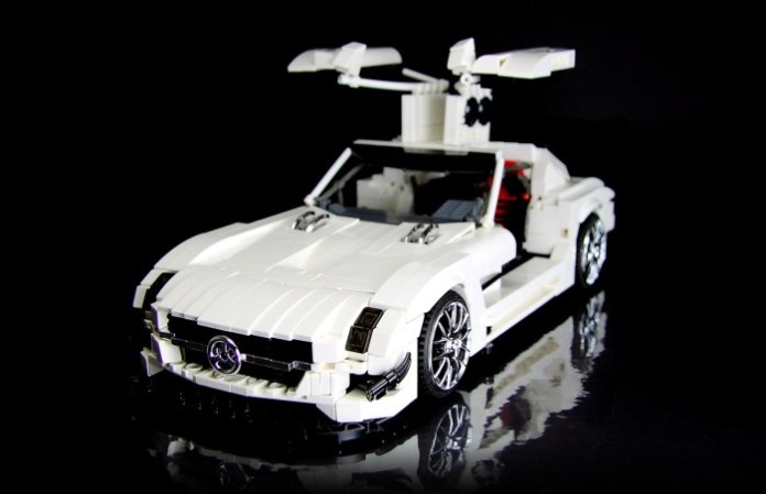 this-lego-technic-sls-amg-gt3-is-all-kinds-of-awesome-photo-gallery_4