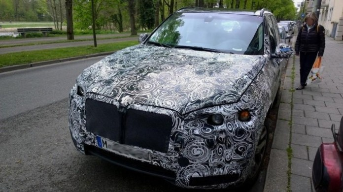 BMW X7 spy photo (1)