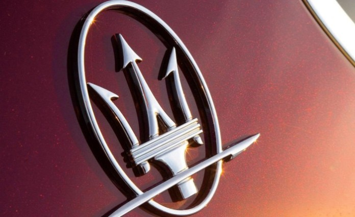 2008-maserati-granturismo-c-pillar-badge-photo-200505-s-1280x782