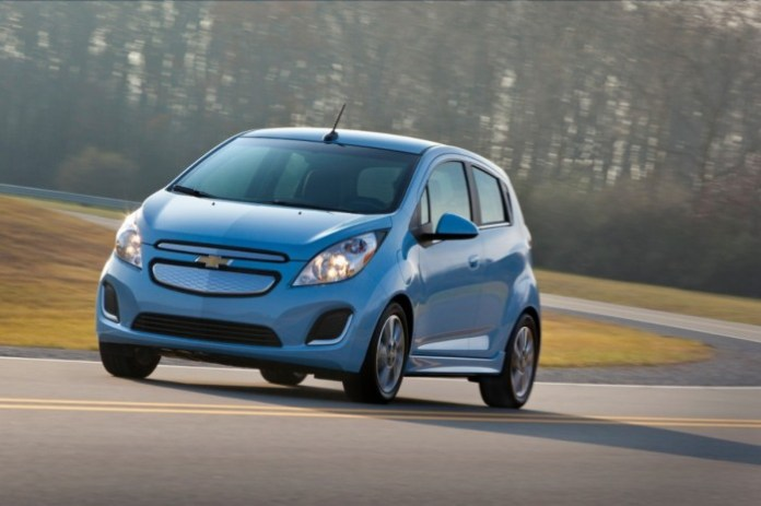 2014-Chevrolet-SparkEV-020-medium