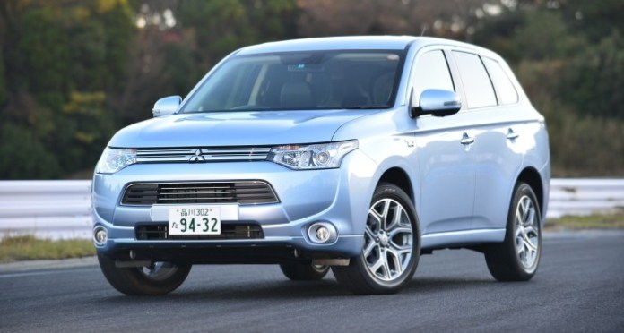 2014-Mitsubishi-Outlander-PHEV-Review-02-e1385347195188