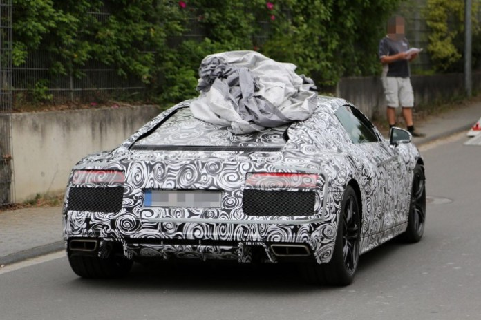 2016-audi-r8-new-led-taillights-spied-in-detail-1080p-5