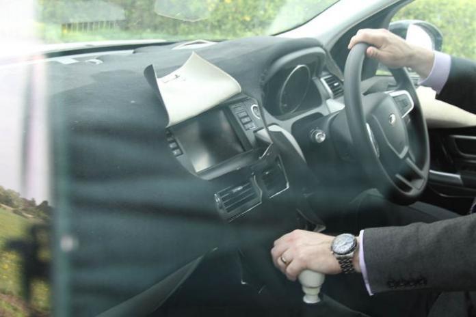 Land Rover Discovery Sport interior spy shot - dashboard