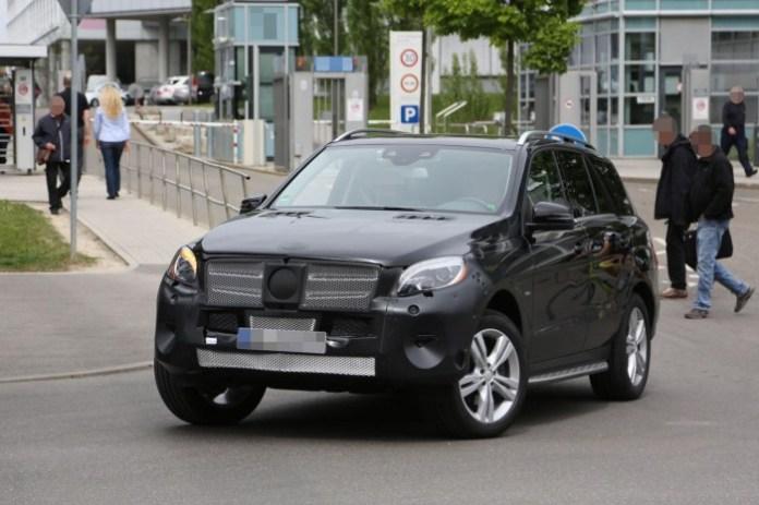 Mercedes M-Class Facelift 2015 spy photos