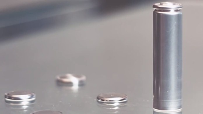new-carbon-based-battery-to-revolutionize-electric-vehicles-81605_1