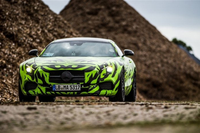 2015-mercedes-amg-gt-s-front-static-3
