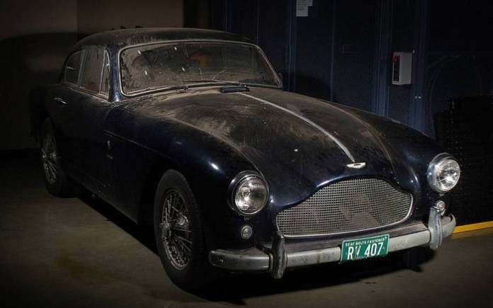 Aston Martin DB Mark III barnfind