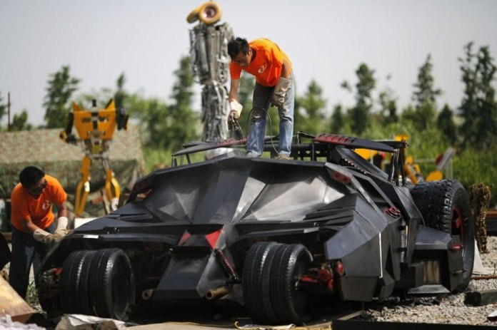 Batmobile China Replica (1)