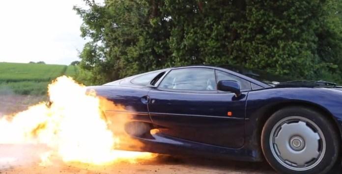 Jaguar XJ220 Burnout