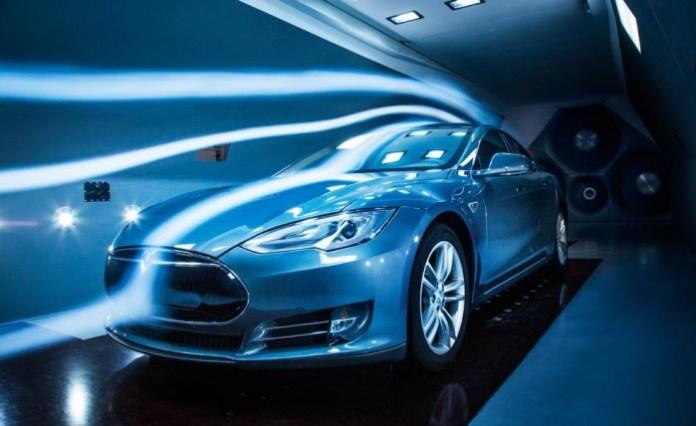 Tesla Model S wind tunnel testing (1)