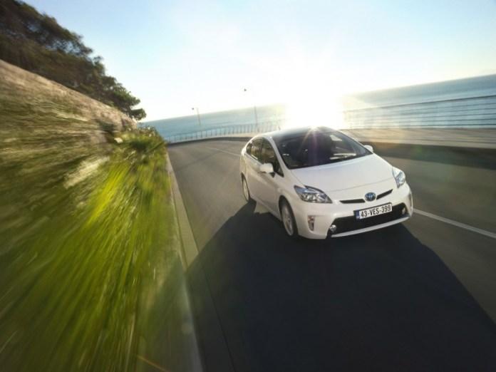 Toyota_Prius_2012_03