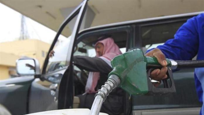 2013-11-08T123001Z_1_CDEE9A70YQ300_RTROPTP_3_UPDATE-1-SAUDI-ARABIA-OIL-OUTPUT_original