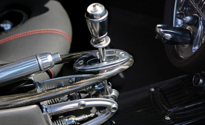 2013-pagani-huayra-shift-lever-photo-479698-s-1280x782