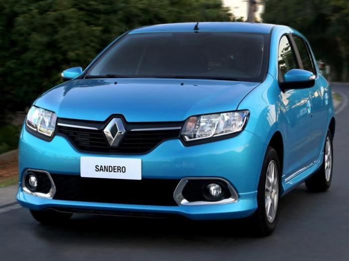 2014_Renault_Sandero_13
