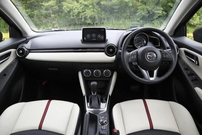 2015 Mazda2 (6)