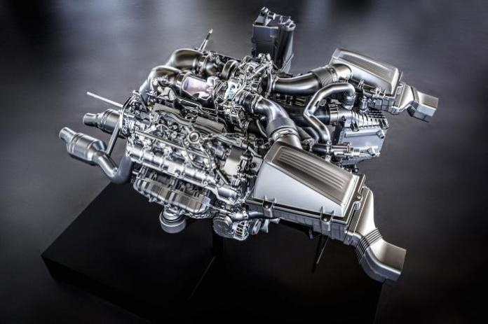 Mercedes-AMG V8 4.0-liter twin-turbo M178 engine 1