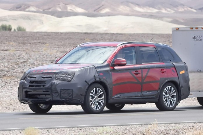 Mitsubishi Outlander facelift 2015 Spy Photos