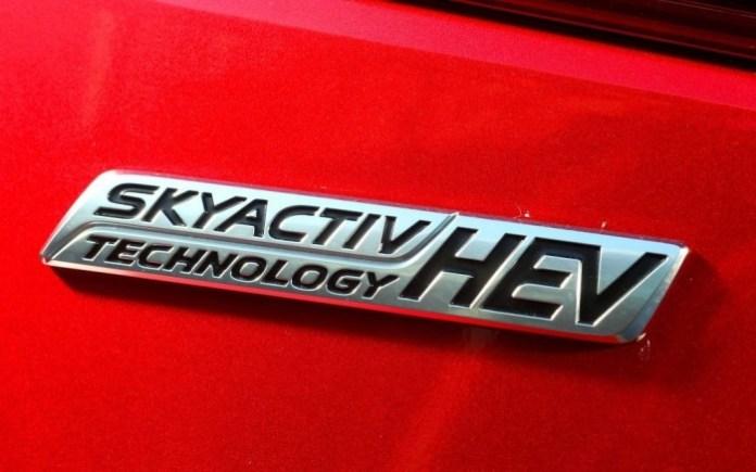 143869_Mazda2_EV_Mazda3_Hybride_le_projet_SKYACTIV_se_poursuit