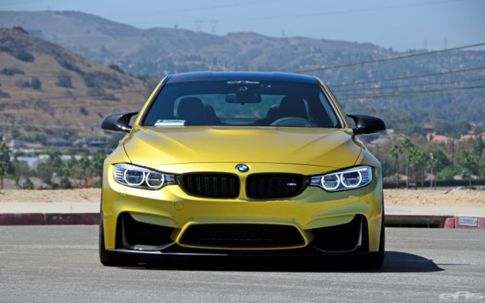 BMW M4 with M Performance package (6)