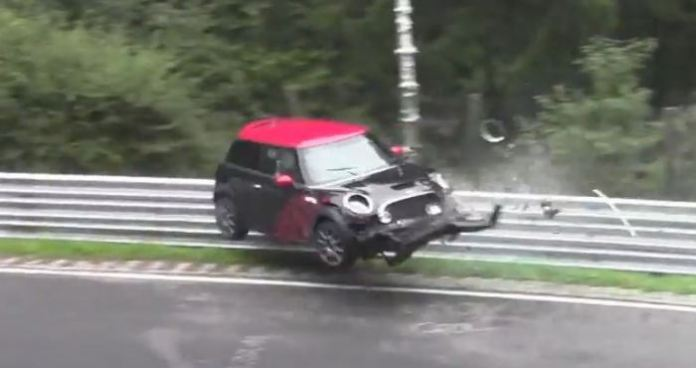 Mini Cooper Crash