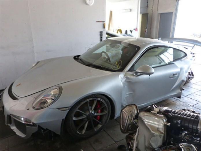 Porsche 911 GT3 crashed