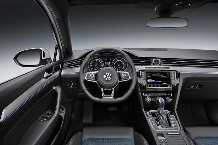 Volkswagen Passat GTE (11)