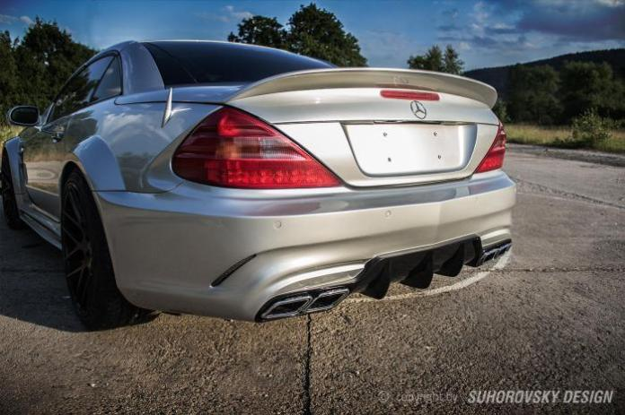 this-mercedes-benz-sl-r230-wide-body-kit-comes-from-poland_1