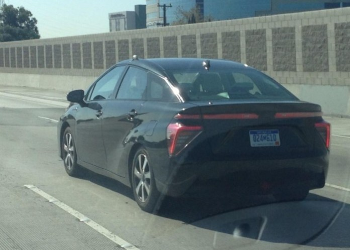 undisguised-toyota-fcv-spotted-testing-in-california