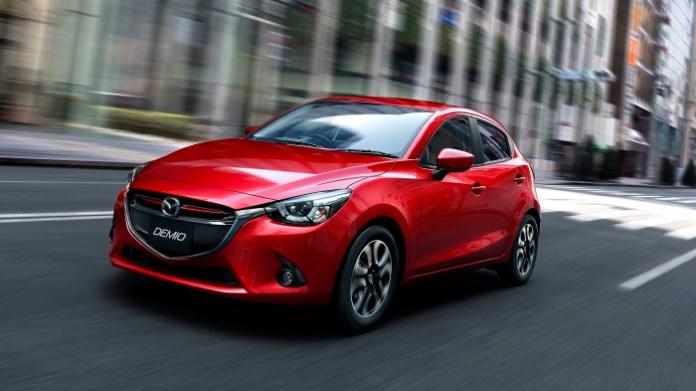 2014-Mazda2-19