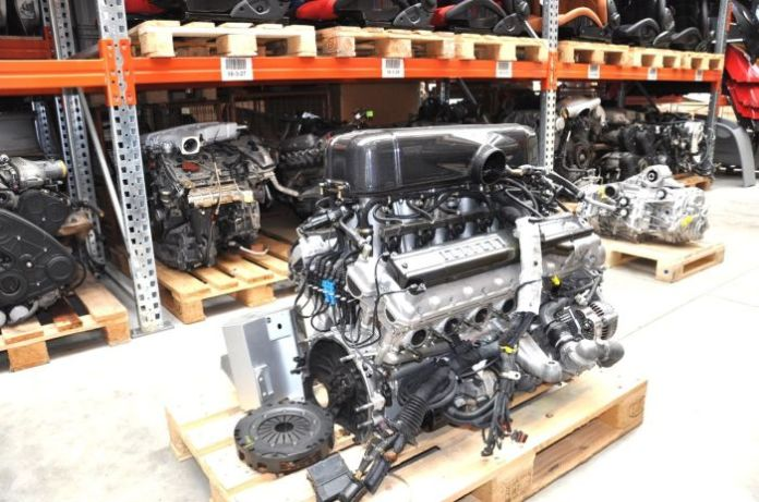 Ferrari Enzo V12 Engine (5)