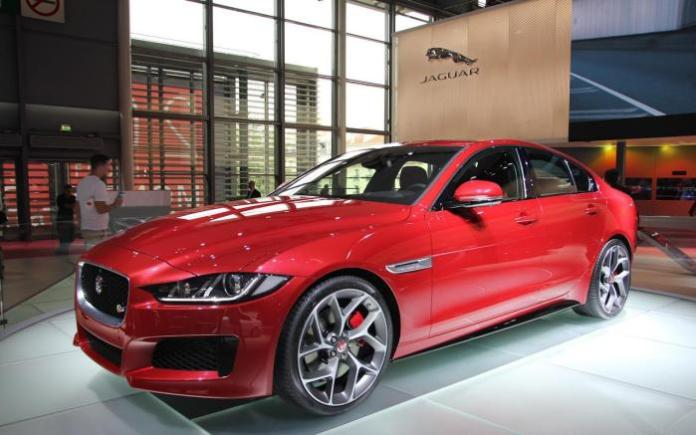 Jaguar XE Live in Paris 2014 (1)