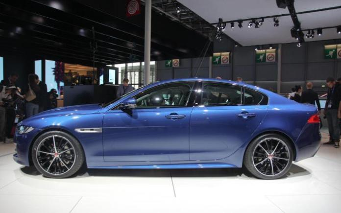Jaguar XE Live in Paris 2014 (8)
