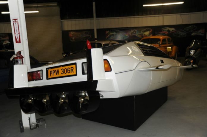 Lotus Esprit Submarine (2)